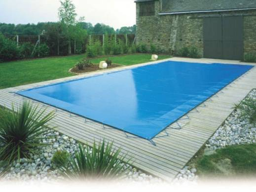 Couvertures piscine et s curit piscine irrijardin for Bache de piscine