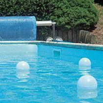 Eclairage pour piscine irrijardin for Boules lumineuses piscine