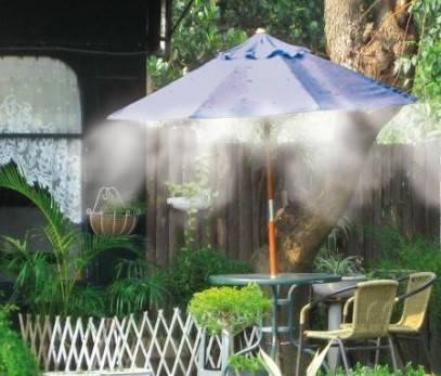 Brumisation sur un parasol