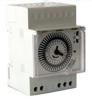 Coffret électrique avec horloge de filtration