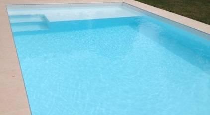 escalier intérieur bâche piscine