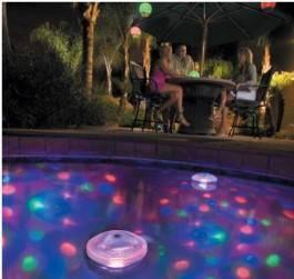 Lumière flottante piscine