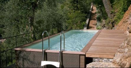 Piscine hors-sol laghetto avec terrasse