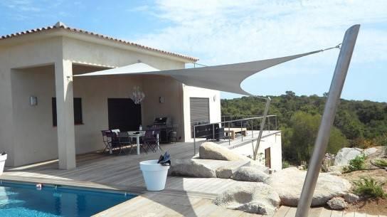 comment ombrager une piscine un spa. Black Bedroom Furniture Sets. Home Design Ideas
