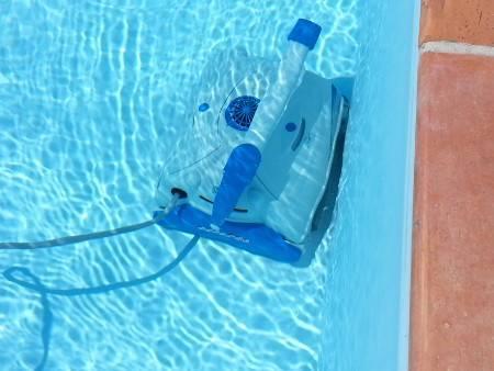 Robot électrique TOP ACCESS dans l'eau