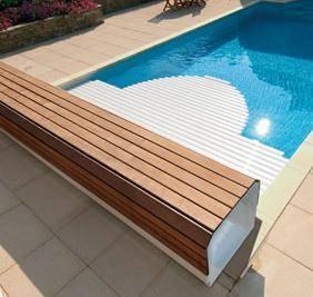 Volet roulant piscine couverture automatique achat prix devis chez irrijardin - Protection piscine volet roulant ...