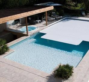 Volet immergé de piscine