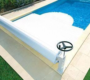 Volet roulant piscine couverture automatique achat prix for Piscine hors sol guadeloupe